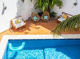 Enigmatic Hotel & Restaurant Bar, hotel near AMERIMED Hospital Cancun, Cancún