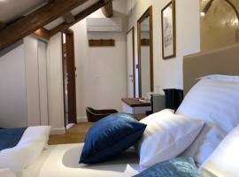Oblivion Luxury Rooms, B&B in Split