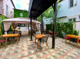 GreenWall mini-hotel, bed & breakfast ad Anapa