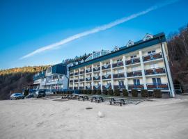 Hotel Plejsy, hotel Korompán