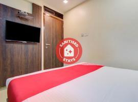 OYO 77803 Hotel Jd Residency, hotel near Bombay Exhibition Centre, Mumbai
