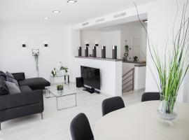 Spacious 200 sq.m. penthouse with sea view terraces, lägenhet i Torremolinos