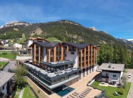 Ciampedie Luxury Alpine Spa Hotel, hotel in Vigo di Fassa