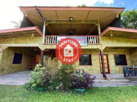 OYO 90286 Yuna Bamboo Rest & Stay, hotel near Mount Kota Kinabalu, Ranau