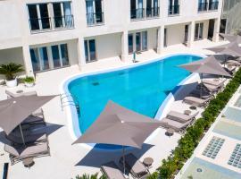 Luxury Sunset Garden Palace Apartments Umag, luxury hotel in Umag