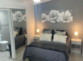 Tanya's Garden Cottage, cheap hotel in Durban