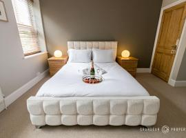 Urban Escape - Wonderful, Modern and Stylish 2bed in Bmouth City Centre, pet-friendly hotel in Bournemouth