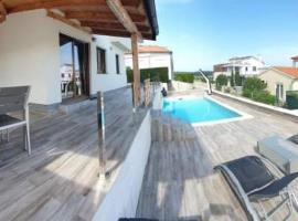 Histria apartment with own pool near the beach, apartamento en Banjole