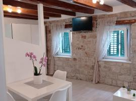 Studio Makala, hotel near The Cathedral of St. Lawrence, Trogir