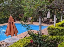 Chácara Esperança, hotel com piscina em Itu