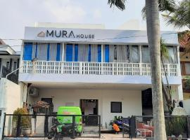 OYO 90470 Mura House Syariah, hotel near Taman Krida Budaya Jawa Timur, Malang