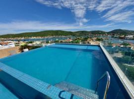 Luxo e conforto com vista privilegiada, hotel in Cabo Frio
