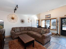 Pine Acres - Unit 114, holiday home in Durango
