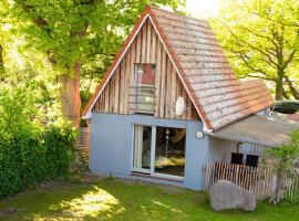 Ferienhaus im Garten, holiday home in Born