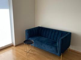 Open cute apartment near city centre, huoneisto Tallinnassa