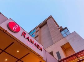 Ramada Neemrana, hotel with pools in Neemrana