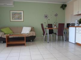 Apartmani Andrea, hotel in Čižići