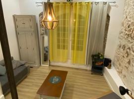 l'Authentique Grand Cachet au Panier Vieux Port, serviced apartment in Marseille