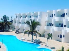 Loki del Mar, hotel with pools in Máncora
