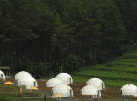 Lembah Indah Glamping Resort, resort in Malang