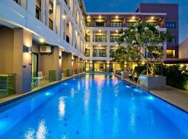 Hotel J Residence Pattaya, hotel near Pattaya Train Station, Pattaya