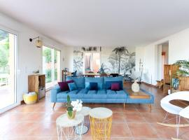 Villa des Oliviers Meublée, holiday home in Nice