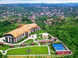 Cabir Deluxe Hotel Sapanca، فندق في صبنجة