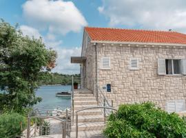Guesthouse Kamarin, guest house in Pomena