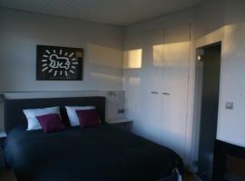 Guest House Feliz, B&B in Leuven