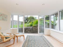 Pass the Keys Spacious 3 bed house with parking in Upper Weston, hotel in Bath