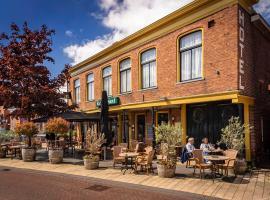 Hotel 't Gemeentehuis, hotel near Groningen Station, Bedum