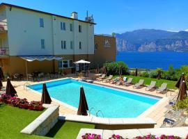 Hotel Antonella, hotel v destinaci Malcesine