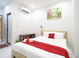 RedDoorz Lucky Hotel, hotel in Ho Chi Minh City