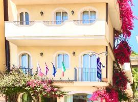 Hotel Sylesia, hotell i Letojanni
