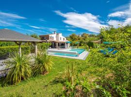 Le Joyau du Golfe de St Tropez, hotel near La Mole Airport - LTT,