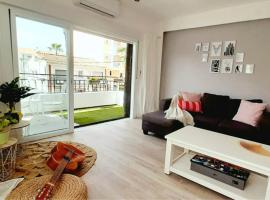 Acogedor y luminoso apartamento con vistas al mar, lägenhet i Rincón de la Victoria