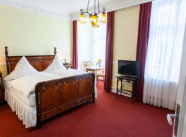 Hotel Goldener Löwe, hotel dicht bij: Luchthaven Weeze - NRN, Kevelaer