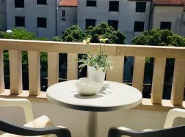 Tatijana Holiday Apartments, hotel in Makarska