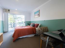 Manly Waves Hotel, hotel near North Head Quarantine Station, Sydney