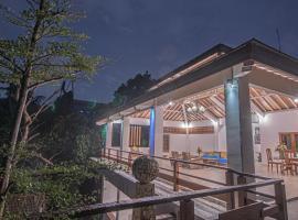 Hidden Seroja Luxury Villa -Jungle and River View, hotel in Kesiman