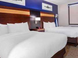 Avion Inn Near LGA Airport, Ascend Hotel Collection, hotel near Elmhurst Avenue, Queens