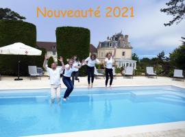 Les Villas d'Arromanches, Les Collectionneurs, hotel in Arromanches-les-Bains