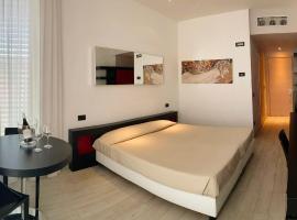 Blue Shades ApartHotel, hotel in Pisa