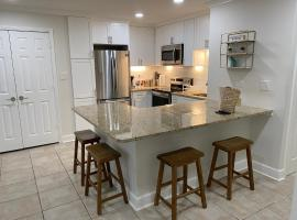 Roomy and Spacious 1BR Sleeps 6 in Central Downtown ATLANTA, vacation home in Atlanta