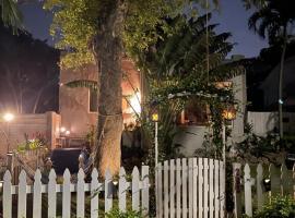 Ne Miami Cottage, villa in Miami