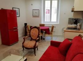 Appartement typique dans le centre historique 47m2, apartment in La Ciotat