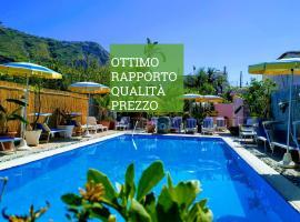 Hotel Casa Nicola, hotel near Sorgeto Hot Spring Bay, Ischia