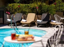 Hotel Condor - Con Piscina, hotel in Riccione