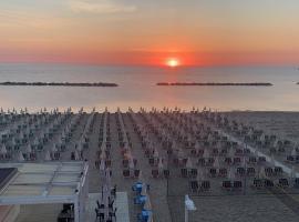 HOTEL FLYING, hotell i Pesaro