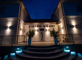 Kinizsi Udvar Apartmanház, hotel Balatonbogláron